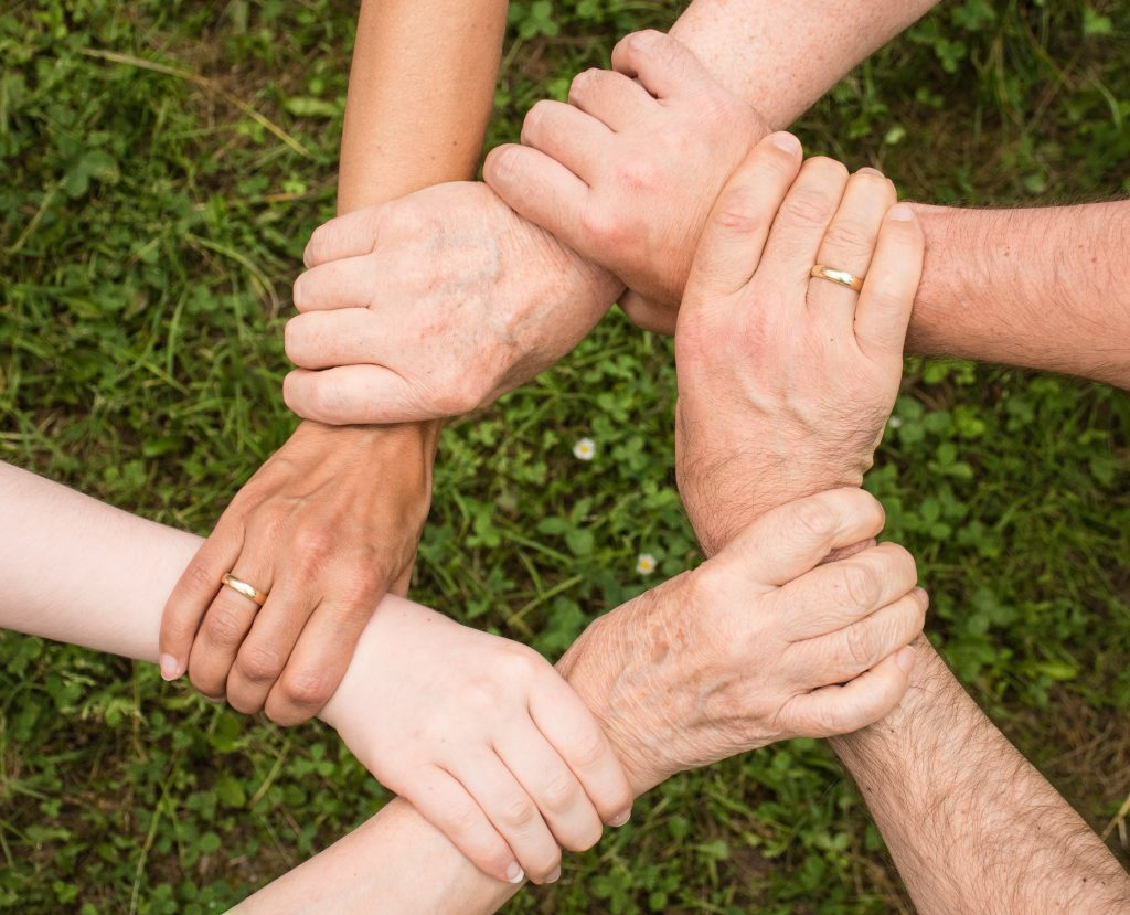 beneficios rodearse personas ancladas