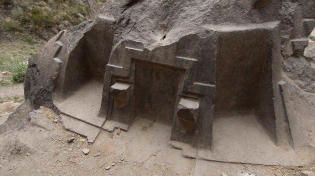 Au pérou comme dans la reste du monde on taille la pierre avec une aisance remarquable.