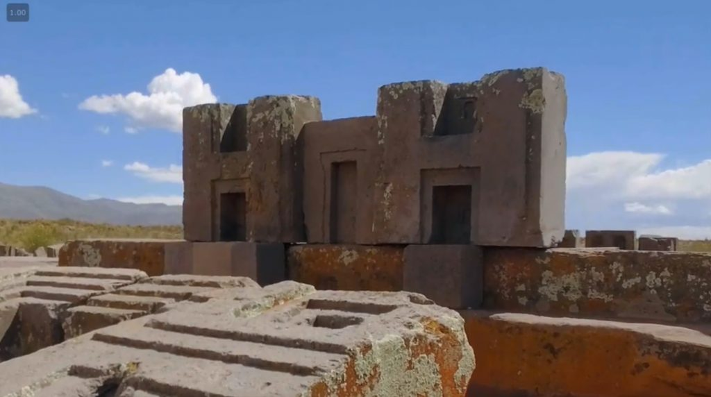 Près du lac titicaca on retrouve encore des constructions gigantesques