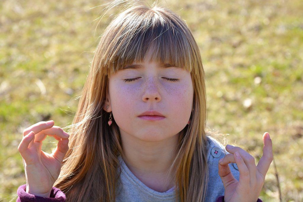 bienfaits méditation enfants