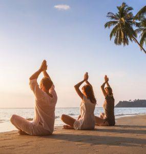 pratiquer le yoga améliore la santé, mental, émotionnel et physique
